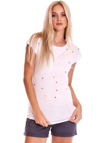 Biały t-shirt z kolorowymi perełkami