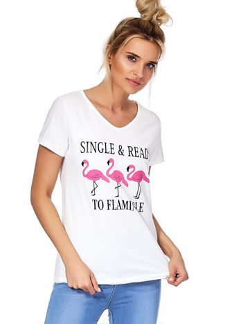 Biały t-shirt z napisem i flamingami