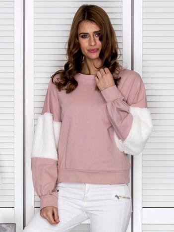 Bluza damska oversize z ozdobnym futerkiem pudroworóżowa