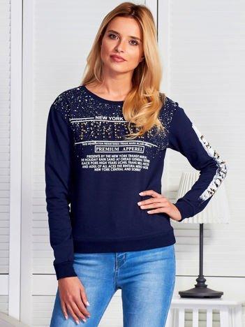 Bluza damska z napisem z perełek granatowa