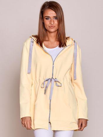 Bluza z kapturem i troczkami żółta