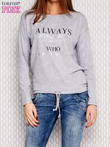 Bluzka brokatowa z napisami i troczkiem jasnoszara