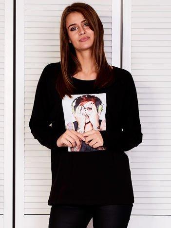 Bluzka damska z portretem rockowej dziewczyny czarna