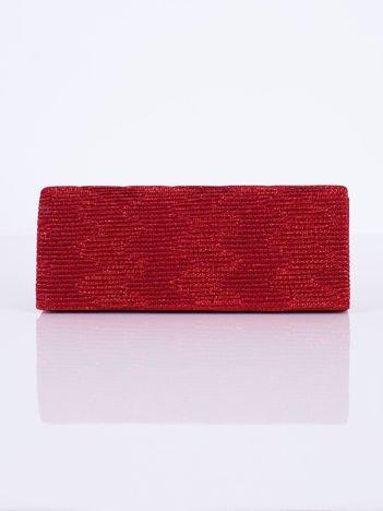 Błyszcząca kopertówka z ozdobnym karbowaniem czerwona