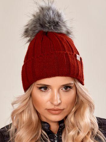 Bordowa czapka zimowa z pomponem