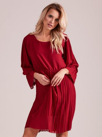 Bordowa plisowana sukienka