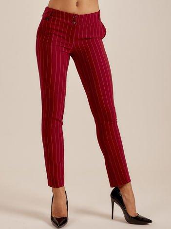 Bordowe spodnie w drobne paski