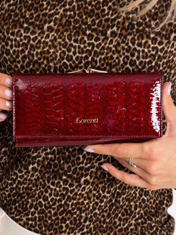 Bordowy skórzany portfel