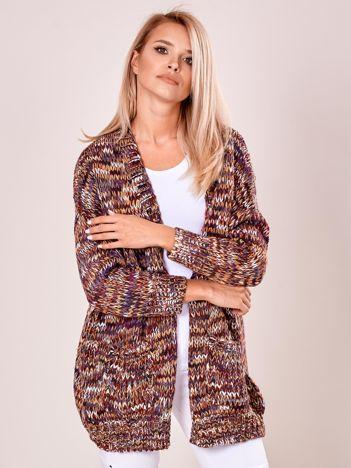 Bordowy sweter z kolorowej włóczki