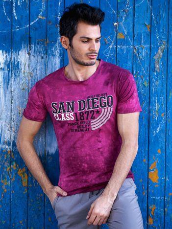 Bordowy t-shirt męski z tekstowym printem