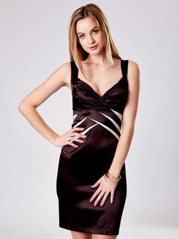 Brązowa dopasowana sukienka