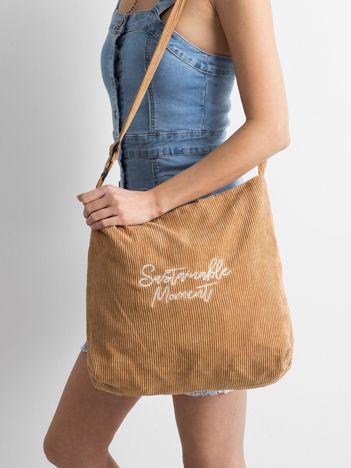 Brązowa sztruksowa torba z napisem