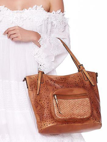 Brązowa torebka z ażurowaniem i plecionką