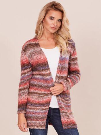 Brązowo-różowy sweter z kolorową nitką