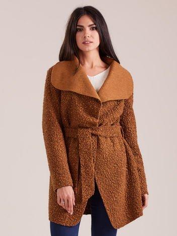 Brązowy dzianinowy damski płaszcz