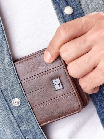Brązowy portfel męski z tłoczeniami