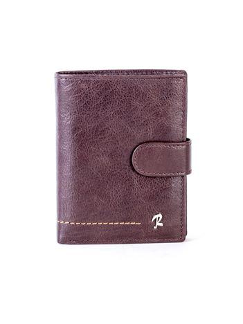 Brązowy skórzany portfel z klapką