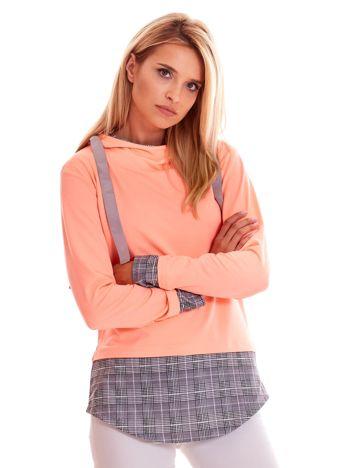 Brzoskwiniowa bluza z kapturem i wstawkami w kratkę
