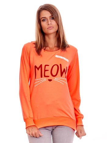 Brzoskwiniowa lekka bluza z napisem MEOW