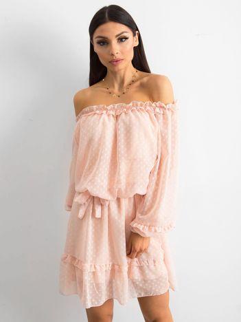 Brzoskwiniowa sukienka hiszpanka z wiązaniem
