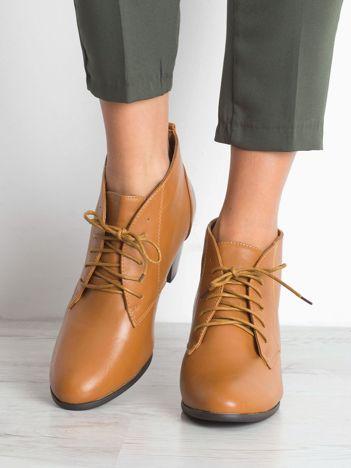 Camelowe botki na obcasie Sergio Leone