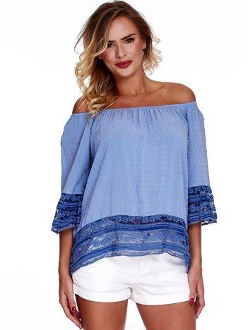 Ciemnoniebieska bluzka hiszpanka z koronkowym wykończeniem