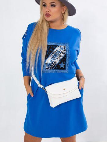 Ciemnoniebieska sukienka plus size Catching