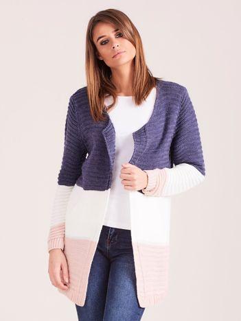 Ciemnoniebieski damski sweter z kieszeniami