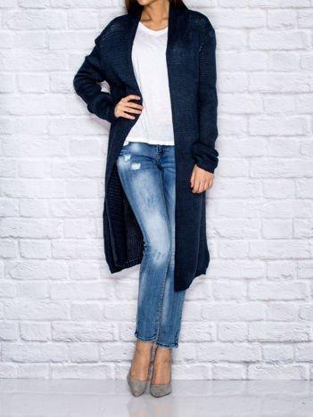 Ciemnoniebieski długi wełniany sweter