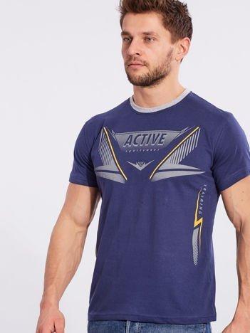 Ciemnoniebieski męski t-shirt z printem
