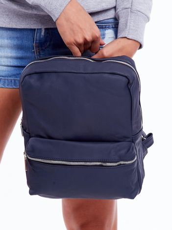 Ciemnoniebieski plecak ze skóry