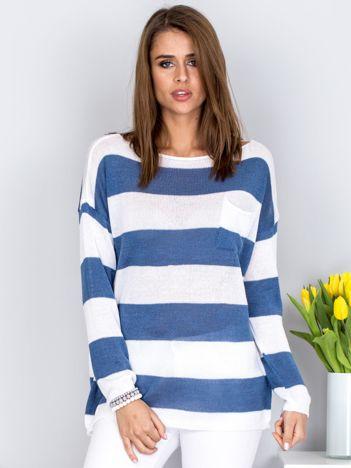 Ciemnoniebieski sweter w paski