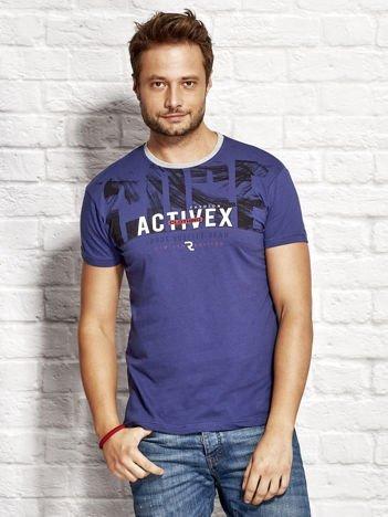 Ciemnoniebieski t-shirt męski z printem