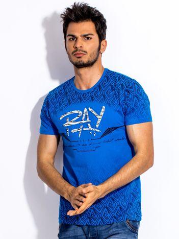 Ciemnoniebieski t-shirt męski z wypukłym printem
