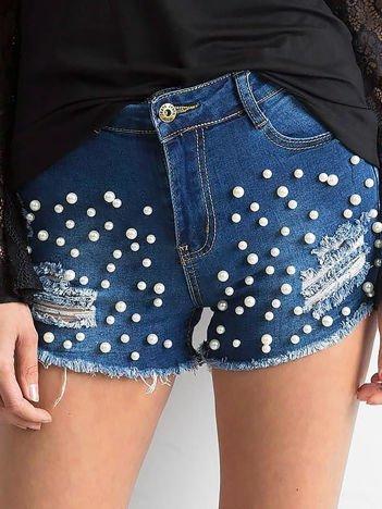 Ciemnoniebieskie szorty jeansowe z perełkami