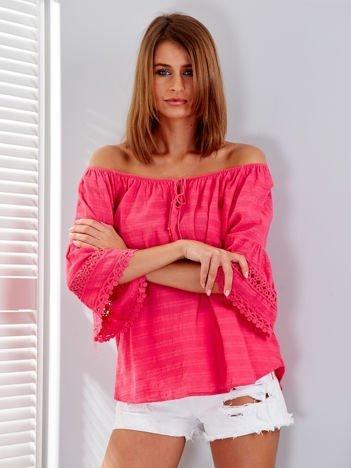 Ciemnoróżowa bluzka z szerokimi rękawami i troczkami