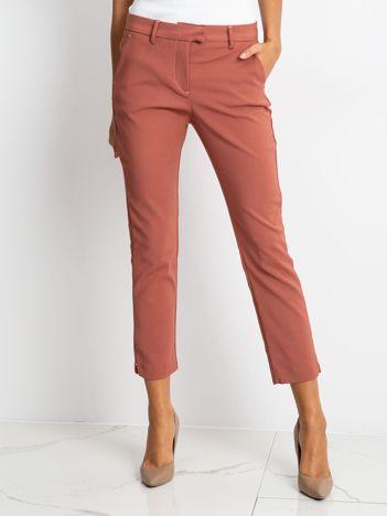 Ciemnoróżowe spodnie Classy