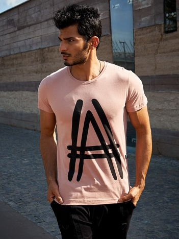 Ciemnoróżowy t-shirt męski z graficznym znakiem