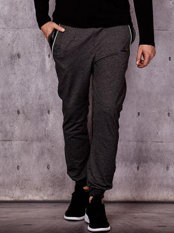 Ciemnoszare spodnie dresowe męskie z pikowanymi wstawkami