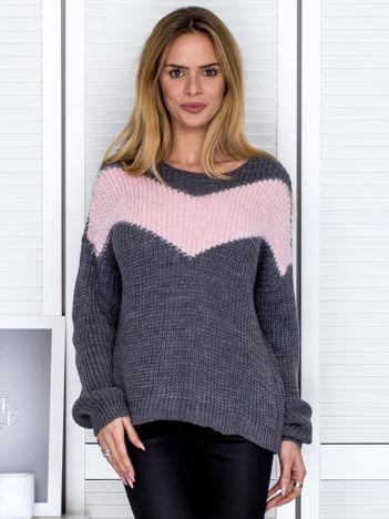 Ciemnoszary sweter z pastelowym modułem