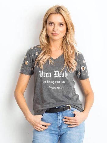 Ciemnoszary t-shirt z ażurowymi kółeczkami i napisem