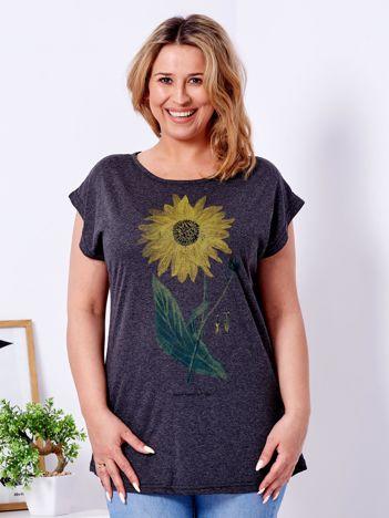 Ciemnoszary t-shirt z kwiatowym nadrukiem PLUS SIZE