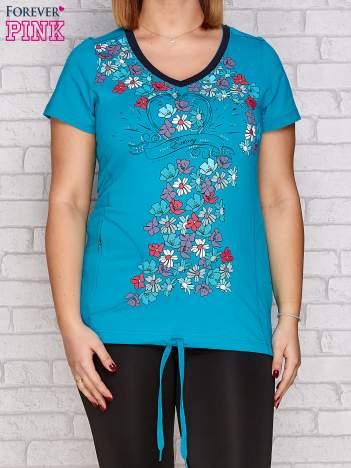 Ciemnozielony t-shirt z kwiatowym nadrukiem PLUS SIZE