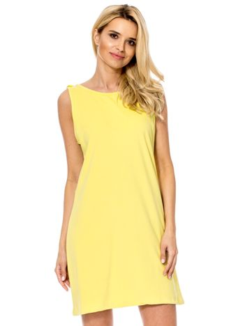 Ciemnożółta sukienka z dekoltem z tyłu