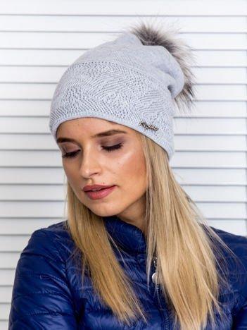 Czapka zimowa z pomponem i swetrową wstawką jasnoszara