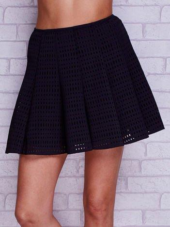 Czarna ażurowa spódnica z falbanami