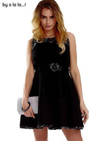 Czarna ażurowana sukienka z dzianinowymi modułami BY O LA LA