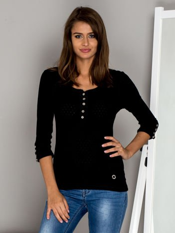 Czarna bluzka w drobny ażurowy wzór z guzikami