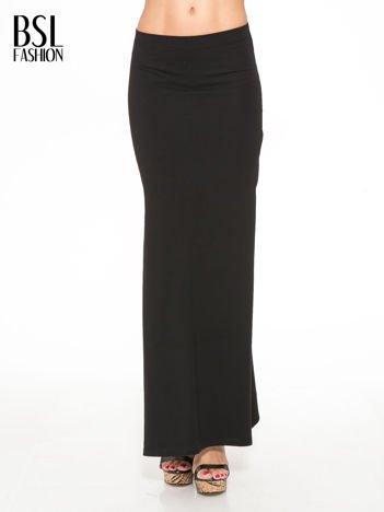 Czarna długa spódnica maxi z rozcięciami po bokach