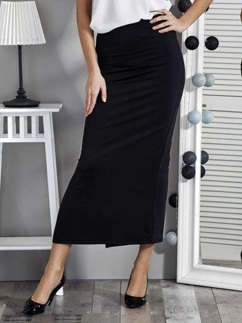 Czarna dopasowana spódnica maxi